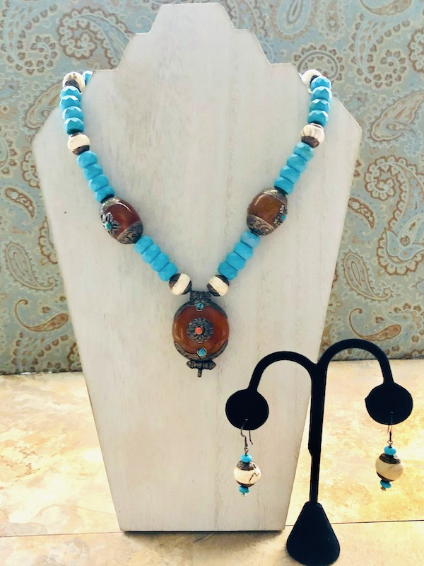Turquoise Howlite & Amber necklace and Earrings