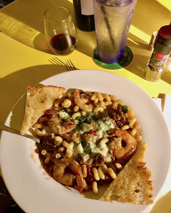 Harbor Cove Bar and Grill in Ft. Pierce Florida filet and shrimp pasta with gorgonzola sauce and garlic toast points.