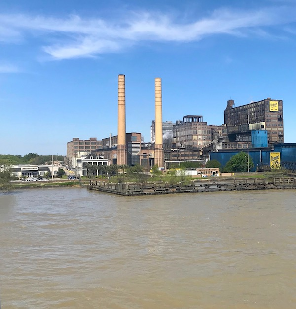 We passed the Dominos Sugar Factory while we Cruise the Mississippi on the Steamboat Nachez