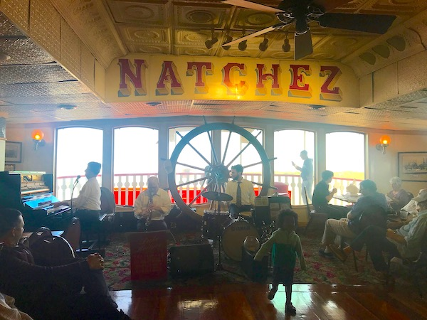 Jazz musicians play while we Cruise the Mississippi on the Steamboat Nachez.
