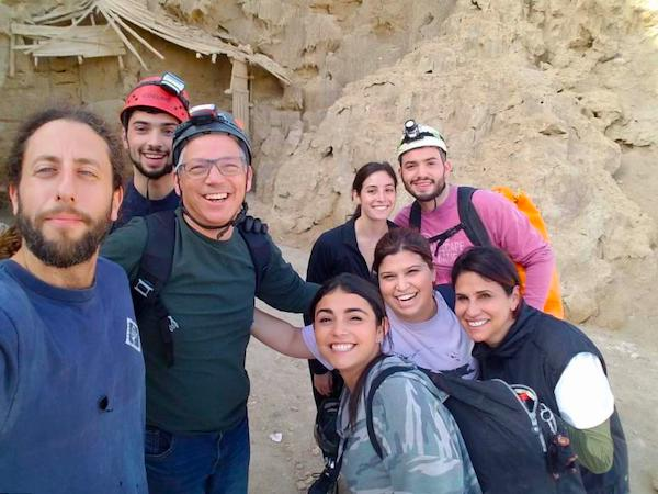 Group photo of people on the hiking tour Israel by Foot